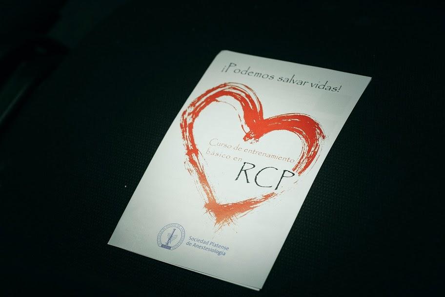 Jornada Nacional de Reanimación Cardiopulmonar (RCP) para todo el mundo en Plaza Malvinas